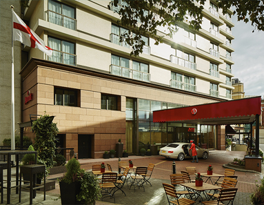 London-Marriott-Hotel-Marble-Arch